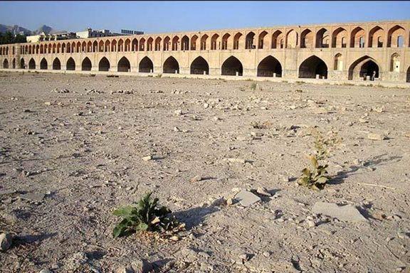 اصفهان تا ۱۰ سال آینده خالی از سکنه میشود