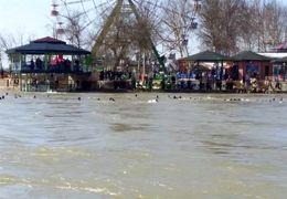 فیلم لحظه غرق شدن کشتی عراقی در رود دجله