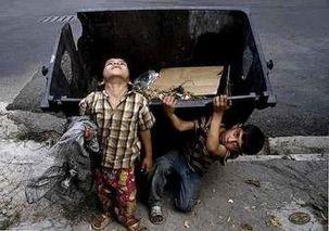 پیمانکاران بازیافت از کودکان کار به عنوان زباله گرد استفاده می کنند/استفاده یا سوءاستفاده غیر قانونی