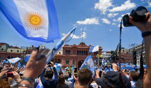 رشد اقتصادی آرژانتین منفی 2.5 درصد شد / وضعیت بحرانی اقتصاد آرژانتین در سال 2018