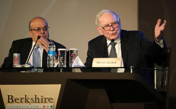 وارن بافت بخشی از سهام «ولز فارگو» و «گلدمن ساکس» را فروخت