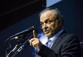 رزم حسینی: سیاست دولت و وزارت صمت عرضه کل فولاد در بورس کالاست