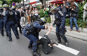 بازداشت 13 نفر تا روز چهارم اعتصاب سراسری در فرانسه