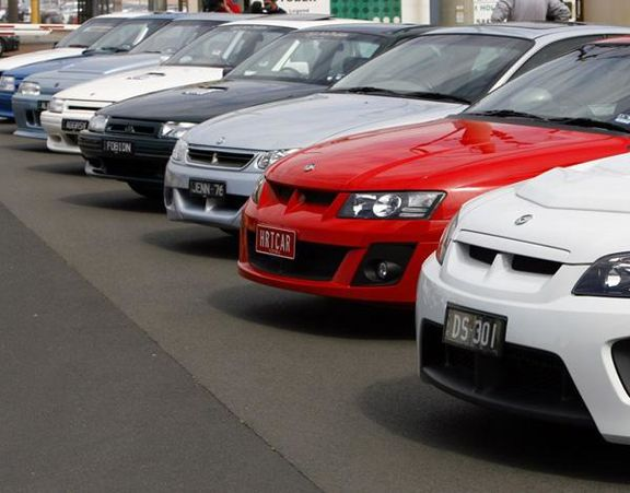 مرجع نرخ گذاری خودروهای خارجی مالکان خودروها هستند!
