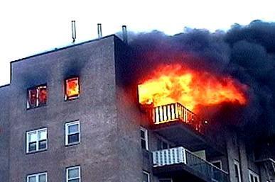 افراد ناشناس ساختمان دهیاری روستای سنجر دزفول را آتش زدند