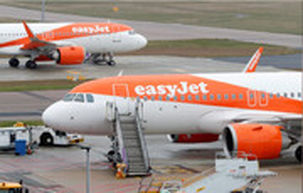 زمین گیر شدن شرکت هواپیمایی «ایزی جت» به دلیل شیوع کرونا