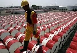 ادامه روند کاهش قیمت جهانی نفت به دلیل شیوع کرونا