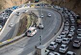 برخلاف اعلام بسته شدن جاده ها، جاده هزار و چالوس ترافیک سنگین گزارش شد