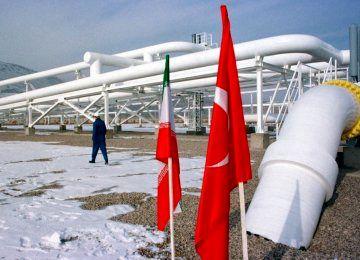 واردات نفت ایران توسط ترکیه بعد از وقفه یک ماهه از سر گرفته شد