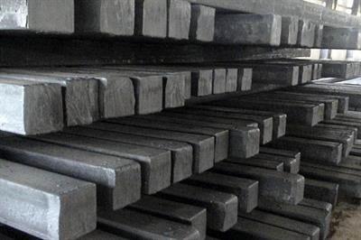عرضه 162 هزار تن شمش بلوم و تختال در تالار محصولات صنعتی و معدنی