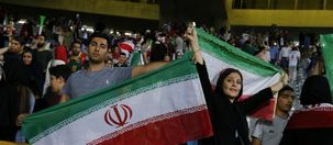 فیفا: زنان باید در ورزشگاههای فوتبال ایران حاضر شوند