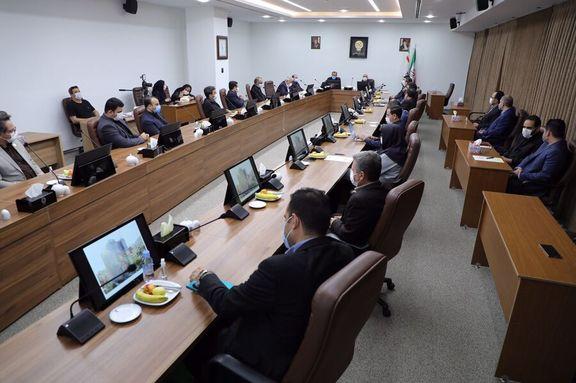 در دیدار وزیر اقتصاد از سازمان بورس چه گذشت؟/ تنگناهای درآمد نفتی فرصت طلایی بازار سرمایه