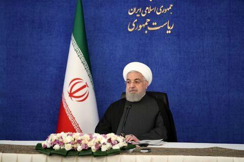 حسن روحانی: بانک مرکزی و دیگر بانکهای ما باید با دست باز با دنیا تعامل کنند