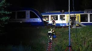 قطار مسافربری در مصر از ریل منحرف شد / ۳۰ نفر مصدوم شدند