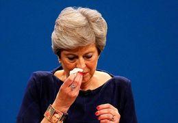 فیلم لحظه استعفای با گریه نخست وزیر انگلیس