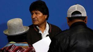 مورالس به مکزیک پناه برد