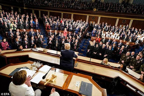 دموکرات ها اعتراض خود را به سخنرانی ترامپ نشان دادند