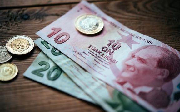 سقوط ادامه دار ارزش لیر ترکیه در برابر دلار آمریکا