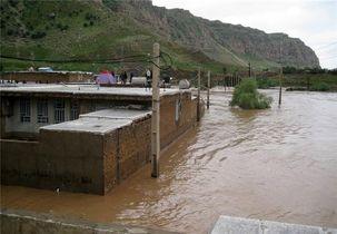 آخرین اخبار سیل در استان ایلام / منازل حاشیه سیمره تخلیه شدند