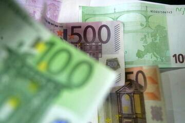سقف خرید و فروش نقدی ارز در بازار متشکل ارزی 5 برابر افزایش یافت