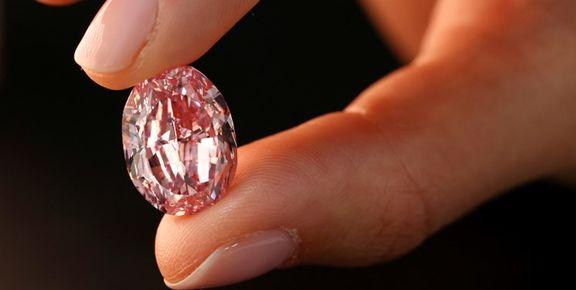 حراجی ژنو میزبان فروش الماس نادر صورتی رنگ شد