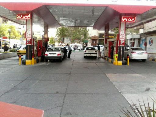 مشکلی در تامین بنزین تهران وجود ندارد