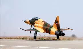 مانور هوایی ٣ فروند جنگنده بومی نیروهوایی ارتش