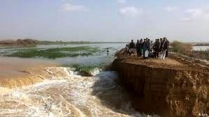 سیل در خوزستان به ارتفاع نخل ها رسید + فیلم