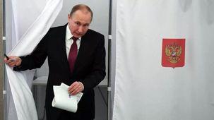 واکنش پوتین به برافراشته شدن پرچم همجنسگرایان بر فراز سفارت آمریکا