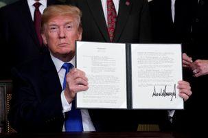 دونالد ترامپ طرح اعمال تعرفه بر محصولات چینی را امضا کرد / اعمال تعرفهها بعد از یک دوره مشاوره  اجرایی میشود / 1300 محصول چینی در معرض اعمال تعرفهها