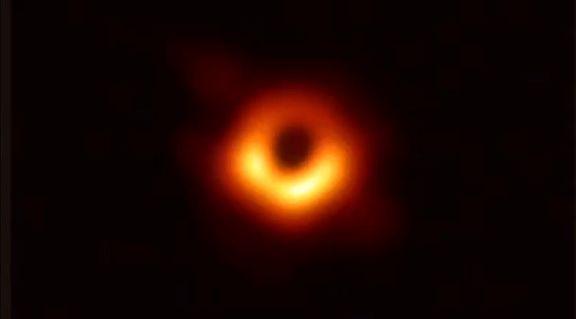 درباره اولین عکس ثبتشده از سیاه چاله بیشتر بدانید +تصاویر