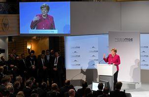آنگلا مرگل از روابط تجاری آلمان با روسیه دفاع کرد / برای حل مسئلهی ایران رهبران جهان باید همکاری کنند
