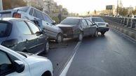 تصادفی عجیب در اتوبان تهران- کرج ترافیک شدیدی ایجاد کرد