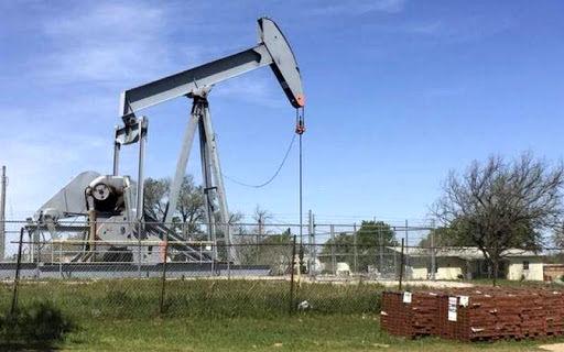 کاهش قیمت هفتگی نفت به دلیل افت چشمانداز رشد اقتصادی