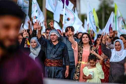 ترکیه سوریه را تهدید کرد/سوری ها به خیابان ها آمدند