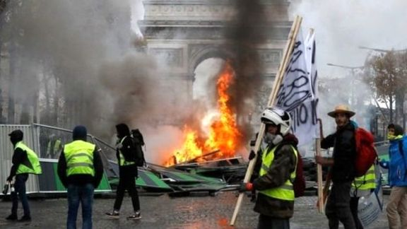 جنبش جلیقهزردها سال سیاهی را برای اقتصاد فرانسه رقم میزند