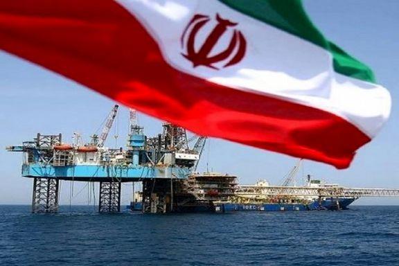 آمریکا اعمال سختگیری بیشتر علیه صادرات نفت ایران را بررسی میکند
