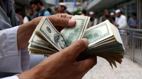 تعدادی از دلالان و اخلالگران بازار ارز توسط پلیس مفاسد اقتصادی دستگیر شد
