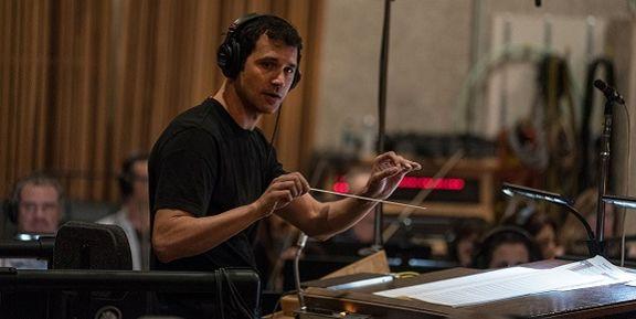 رامین جوادی دیروز برنده جایزه امی شد /  آهنگساز ایرانی سریال تاج و تخت کیست؟