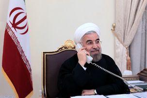 حسن روحانی در یک گفتگو تلفنی با رهبر انقلاب سال نو را به ایشان تبریک گفت