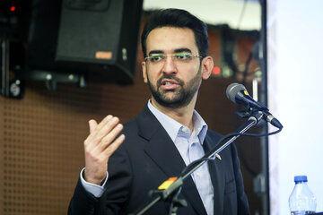 وزیر ارتباطات از صدا و سیما خواست فرکانسهای خالی را به مردم بازگرداند