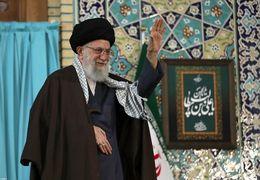 سخنرانی رهبر انقلاب در حرم امام رضا (ع) و گلایه ایشان از لایحه های تصویبی مجلس +فیلم
