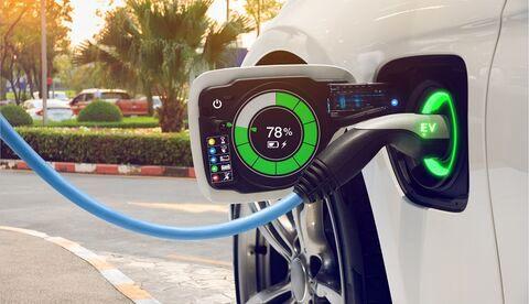 خودروهای الکتریکی تقاضای تولید پالایشگاهی جهان را به نصف کاهش خواهد داد