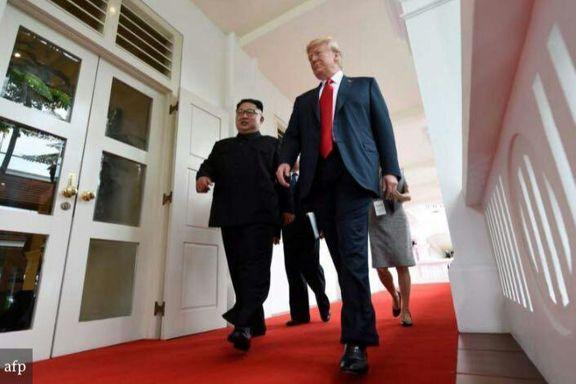 بذله گویی ترامپ در زمان عکس گرفتن عکاسان از او و کیم