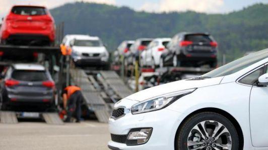 خودرو نخرید/ قیمت ها بیش از حد دچار حباب شده است
