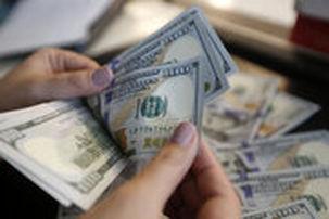 دلار صرافیهای بانکی به 15 هزار و 600 تومان رسید