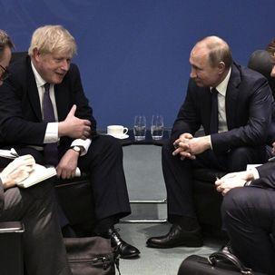 نخست وزیر انگلیس: روسیه مراقب تحرکات خود در منطقه باشد