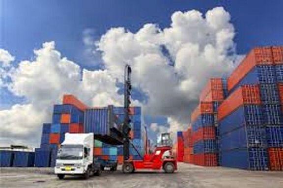 تراز تجاری کشور ۲۱۳ میلیون دلار است/ ارزش صادرات در فروردین  ۱۸.۲ درصد و ارزش واردات  ۷.۶ درصد کاهش یافت