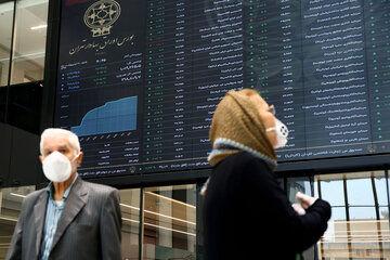 نایب رئیس شرکت بورس راهکارهای برچیدن صفهای خرید و فروش در بازار را تشریح کرد