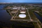 کاهش شدید ذخایر آمریکا قیمت نفت را 1.5 درصد افزایش داد